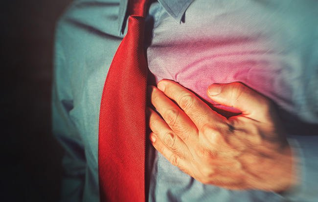 6 Harrowing Signs a Heart Attack Might Be In Your Near Future
